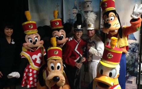Students spread Disney magic to Mariners