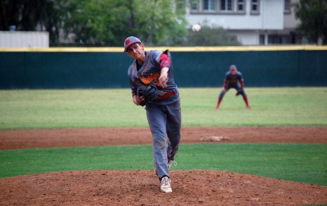 Baseball dominates in 12-0 win against Vaqueros