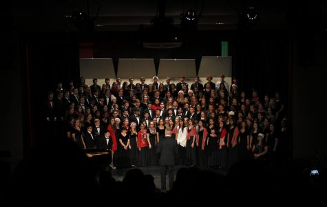 Choir dazzles spotlight over winter celebration