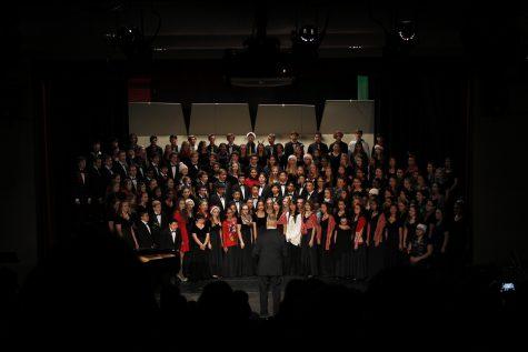 Choir dazzles spotlight over winter celebration
