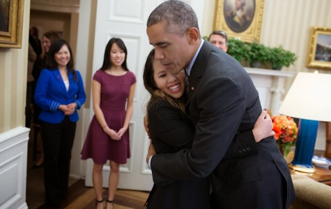 Ebola-free nurse Nina Pham visits President Obama in the White House.