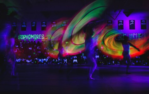 "Students ""glow crazy"" at last traditional pep rally of the year"