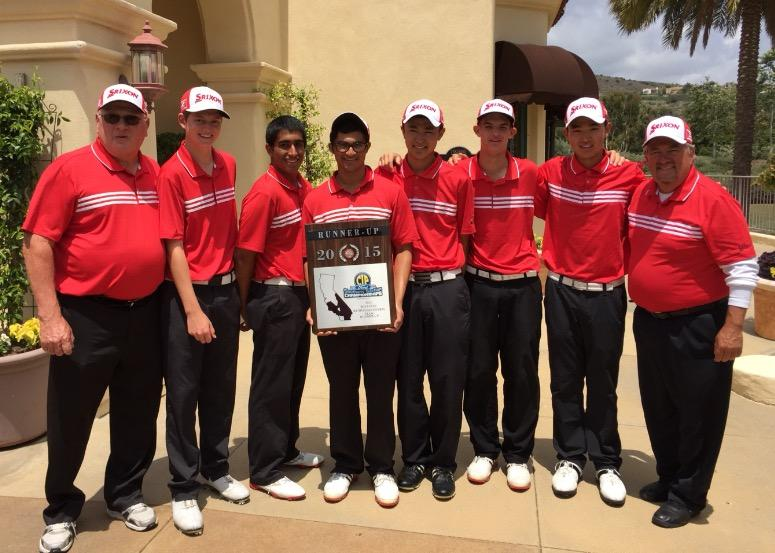 Woodbridge+varsity+golf+celebrates+their+victory+for+achieving+second+place+in+CIF