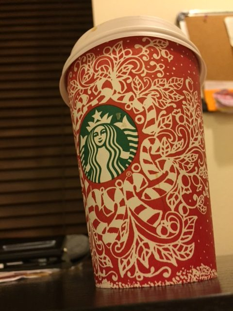 Starbucks+brings+in+holiday+spirit+with+its+beverages.