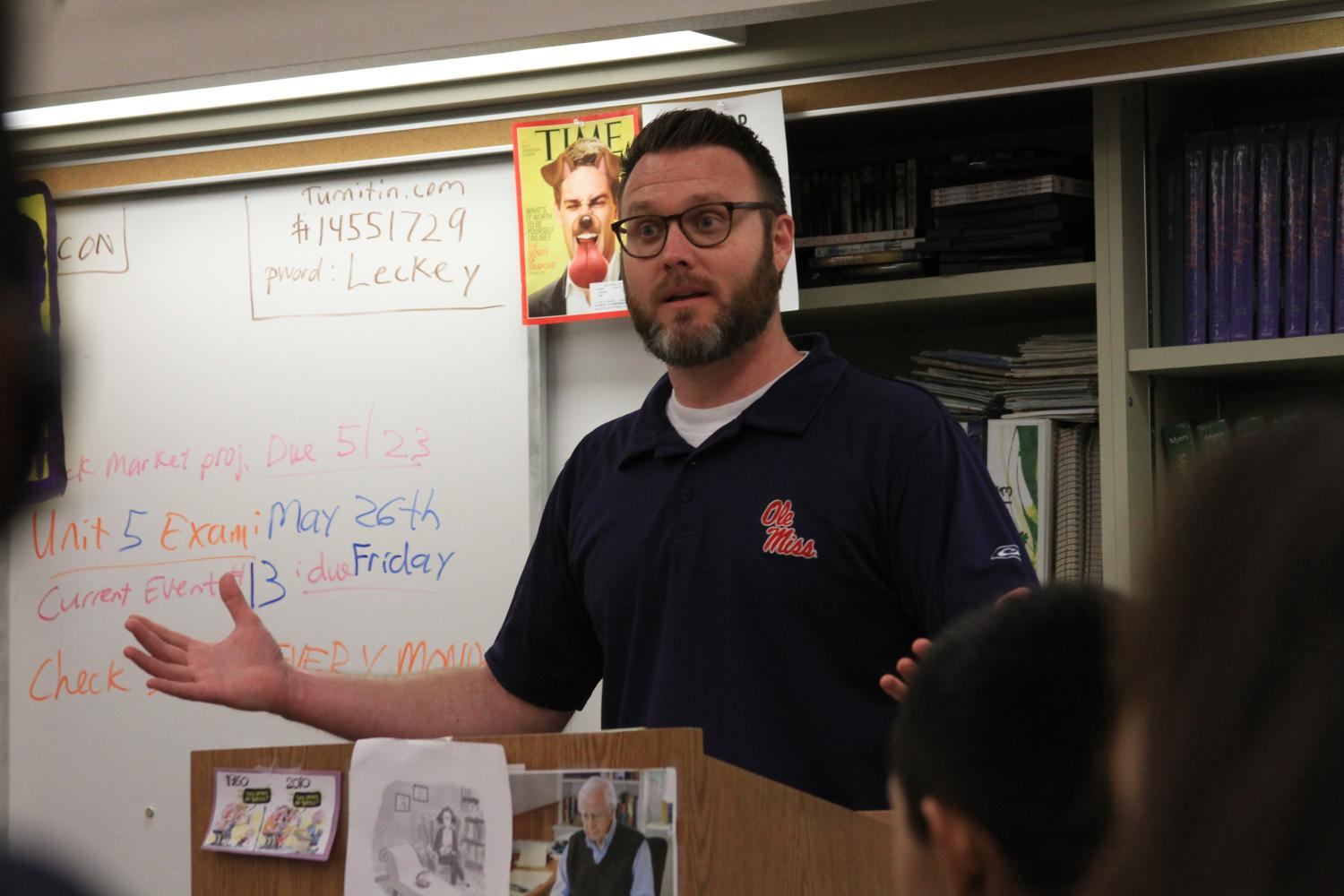 James Leckey introduced a project to the AP Psychology class.