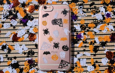 DIY: Spooky Phone Case